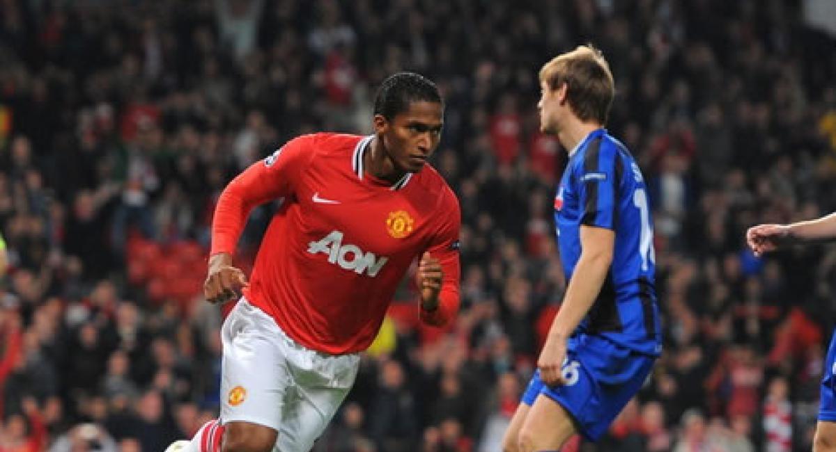 2-0) Antonio Valencia marcó el primer gol en la victoria del United ...